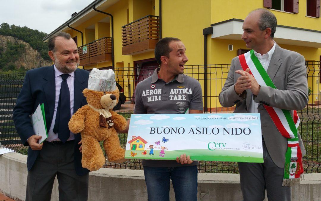 """Consegnato il primo """"buono asilo"""" per le case La Traccia a Galzignano"""